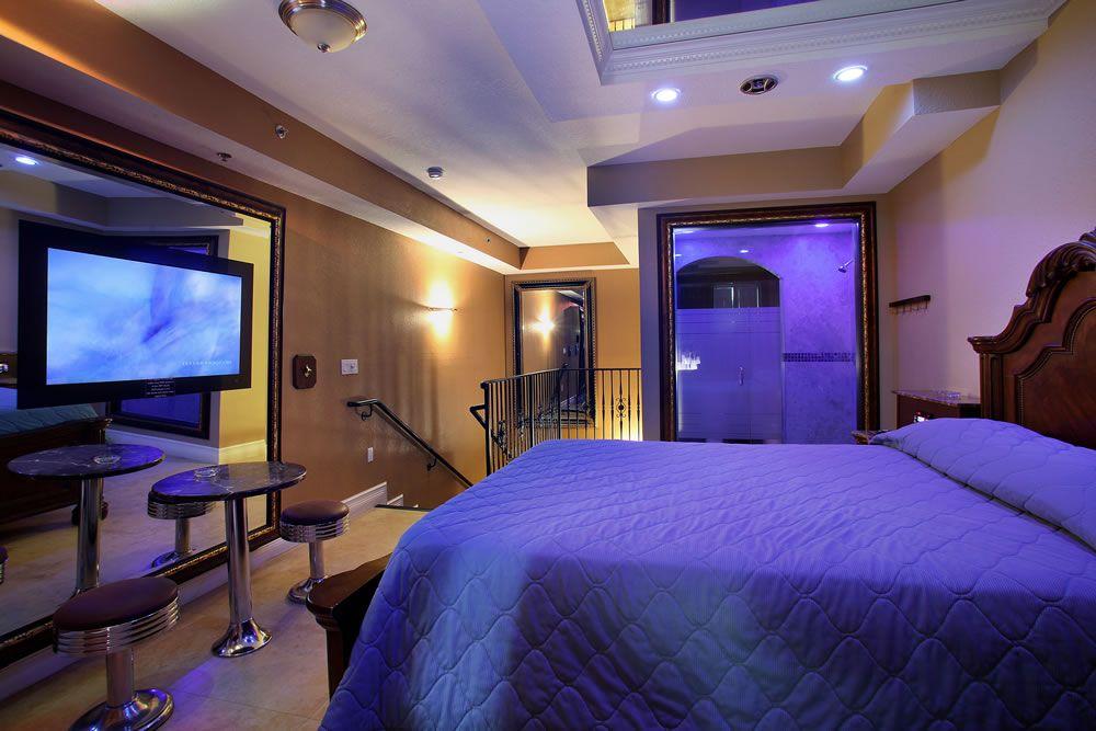 El Paraiso Motel - Hialeah Contemporary