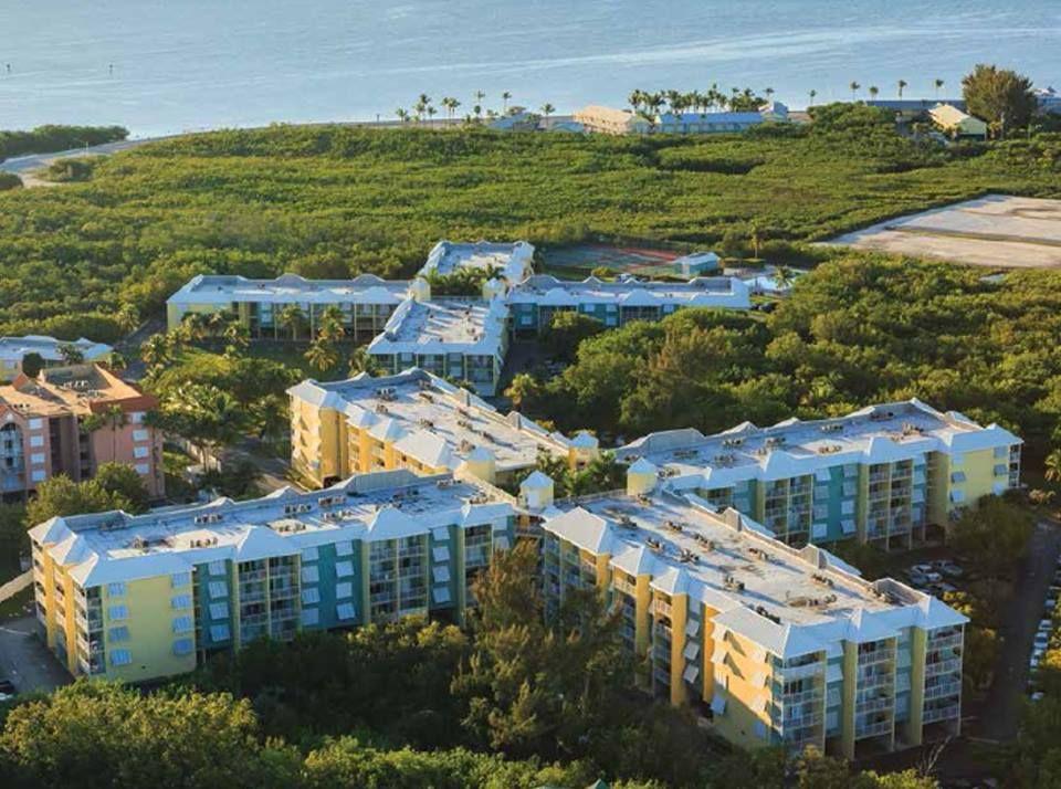 Ocean Walk Apartments - Key West Establishment