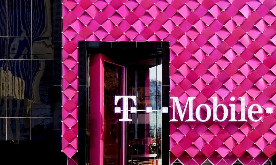 T-Mobile - Hialeah Contemporary