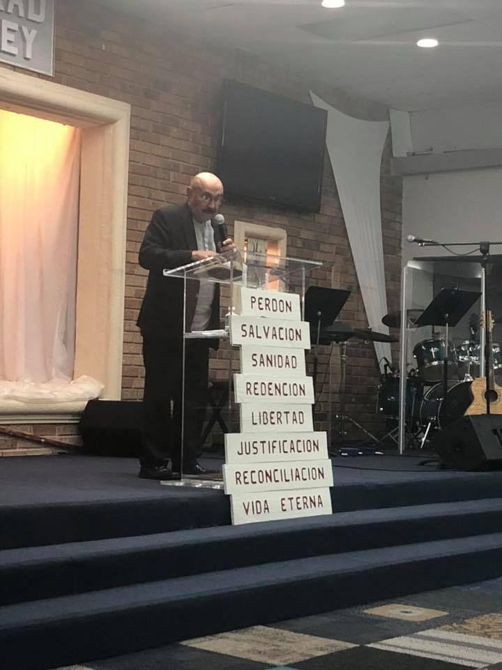 Iglesia Cristiana La Gloria de Dios - Hialeah Contemporary