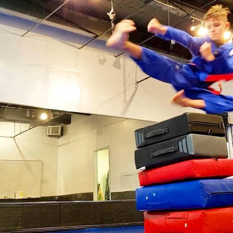 Thump Fight Gym Contemporary