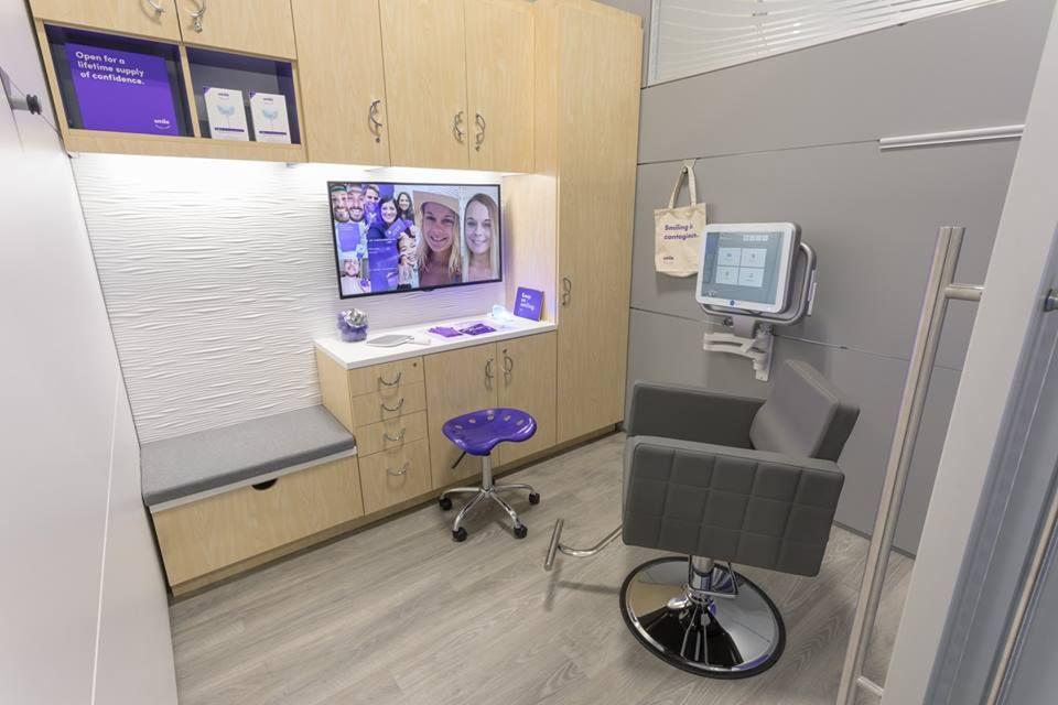 CVS Pharmacy - Hialeah Accommodate