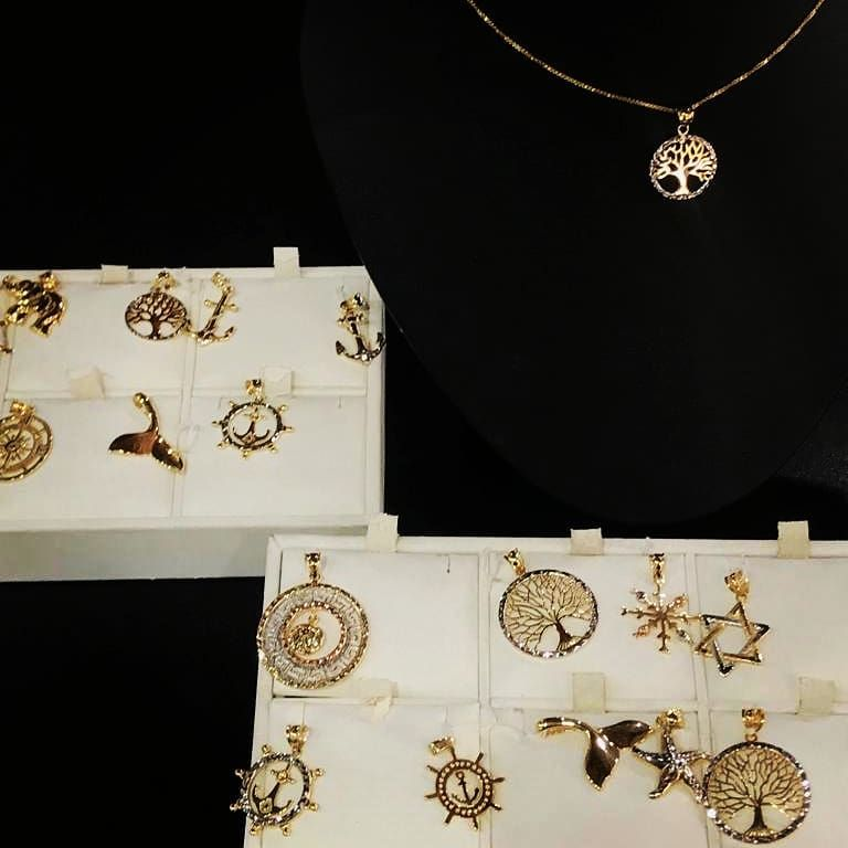 Cardow Jewelers - Suite 1 Convenience