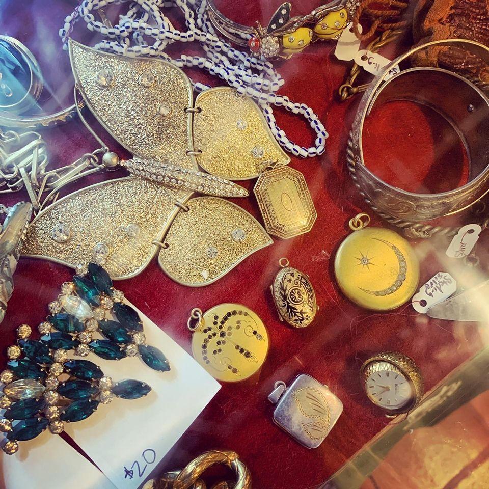 Cherry Picked Vintage & Antique Market - Hialeah Establishment