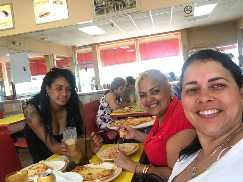 Rey's Pizza - Hialeah Organization