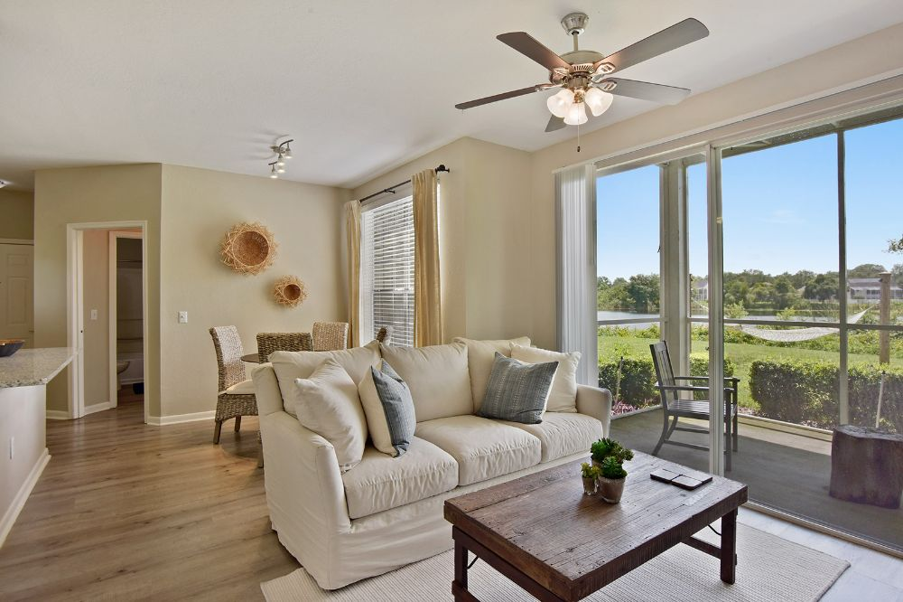 Lake House Apartments - Tamiami Accommodate
