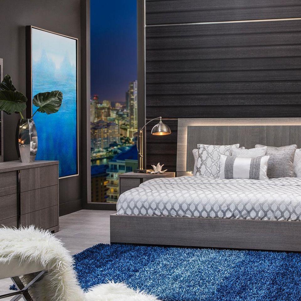 El Dorado Furniture - Calle Ocho Boulevard - Miami Cleanliness
