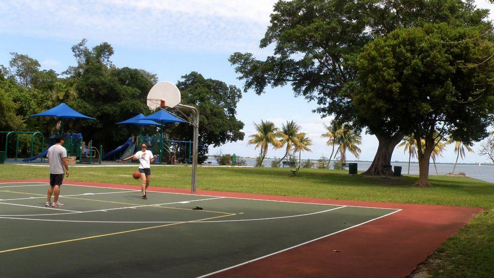 Tamiami Lakes Park Basketball Court - Tamiami Webpagedepot
