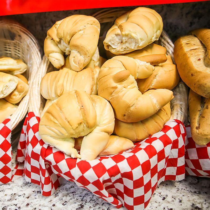 El Indio Bakery - Hialeah Information