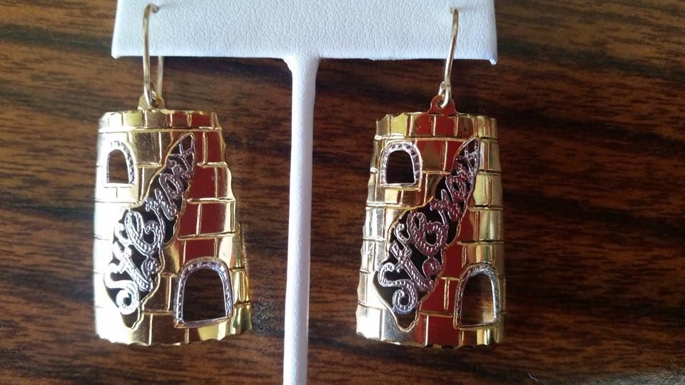 Johnny Jeweler - St Croix Facilities