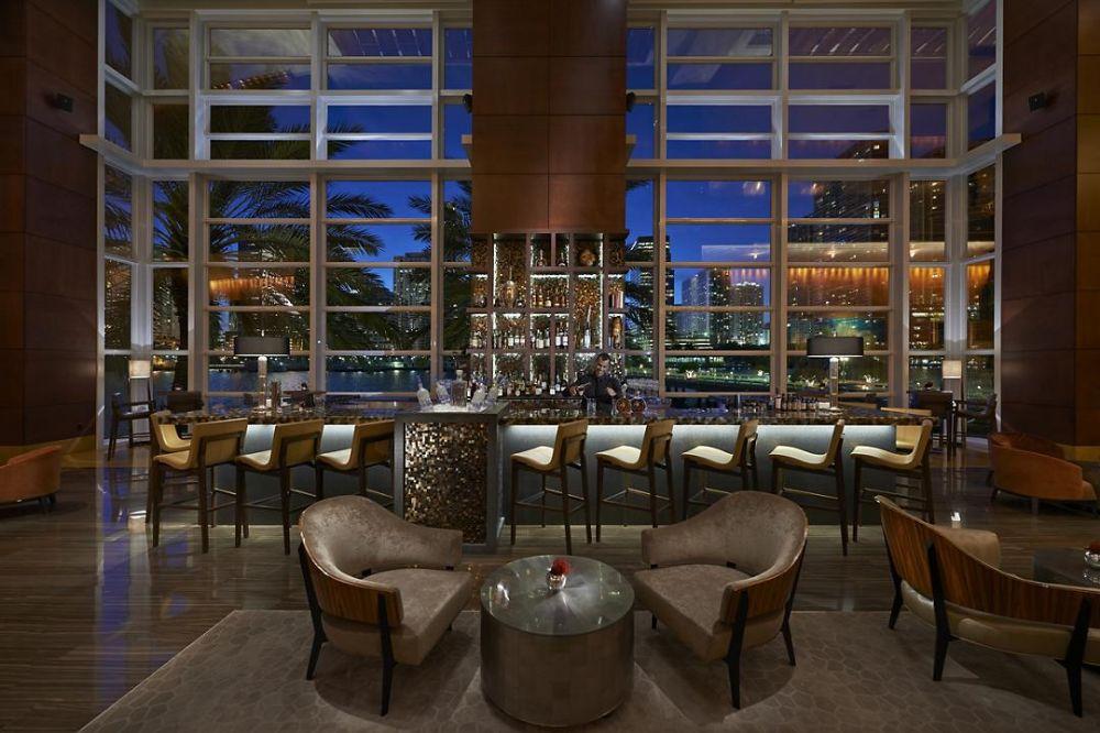 MO Bar & Lounge - Miami Informative