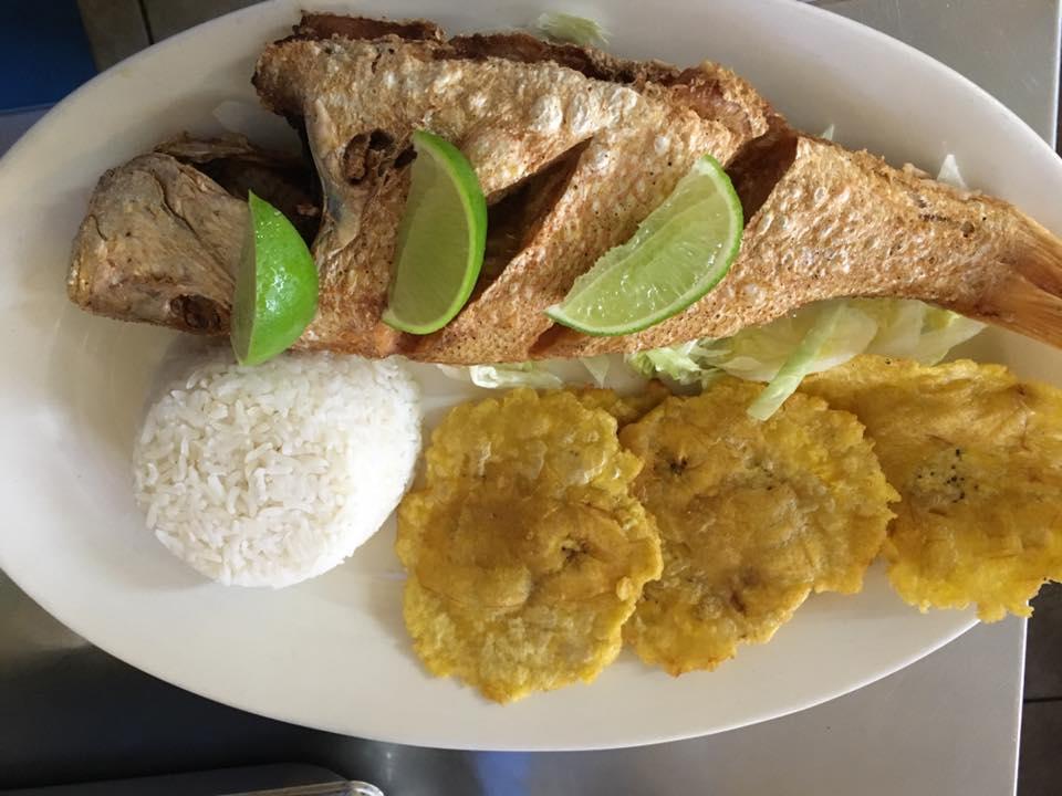 Dona Arepa Restaurant guacamole