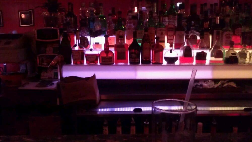 Cucu's Nest Bar - Miami Beach Contemporary