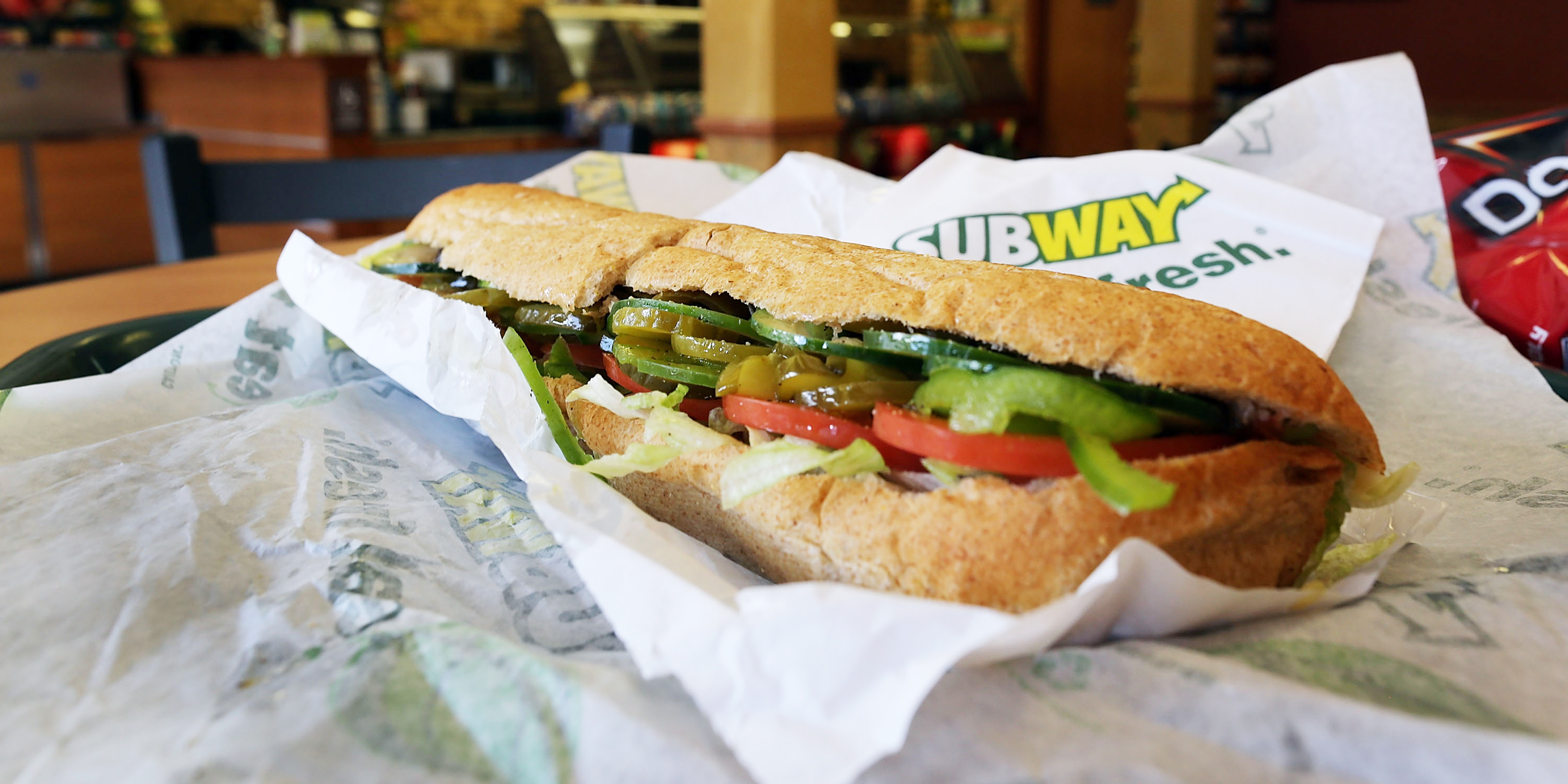 fast food and subway Subway is a privately held american fast food restaurant franchise that primarily purveys submarine sandwiches (subs) and saladssubway is one of the fastest-growing franchises in the world.