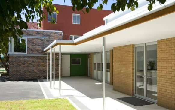 Montessori East Primary School Establishment