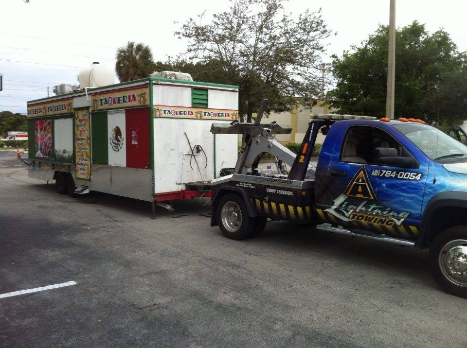 A Lightning Towing - West Palm Beach Professional