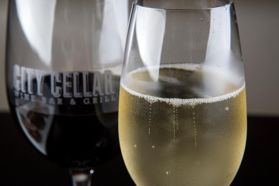 City Cellar Wine Bar & Grill - Westbury Traditional