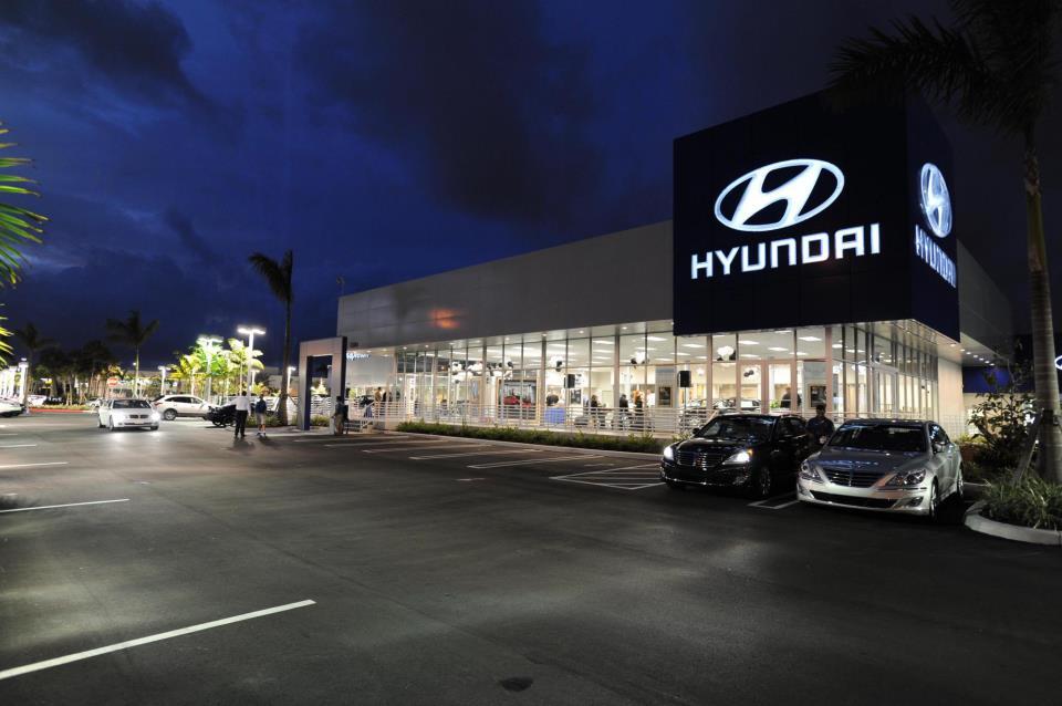 Napleton's West Palm Beach Hyundai - West Palm Beach Contemporary