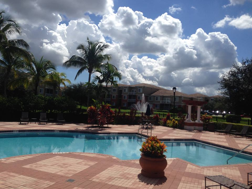 Vista Lago Apartments - West Palm Beach Accommodate