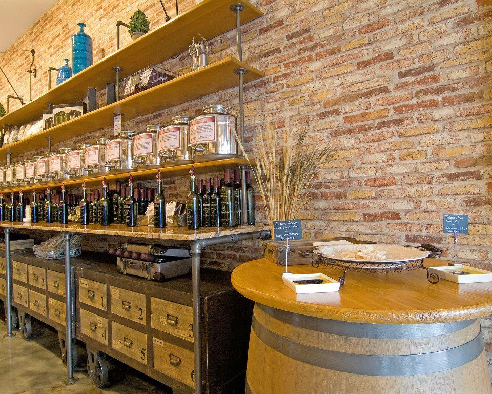Aventura Olive Oil Co. - Aventura Surroundings