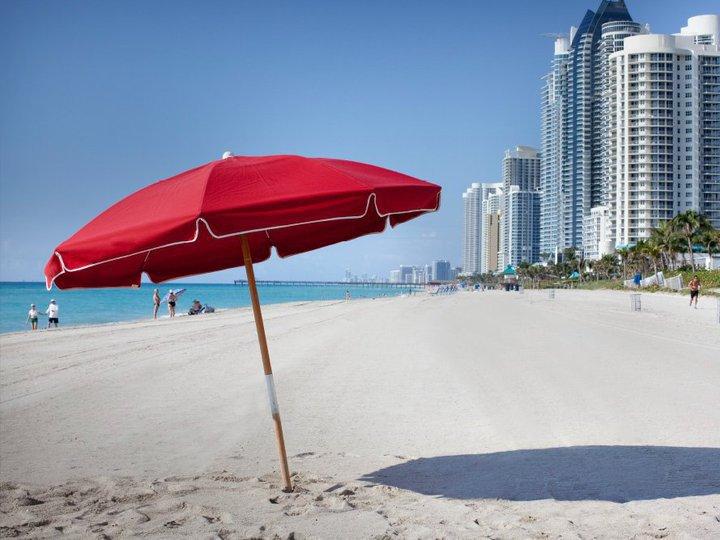 Beach Place Apartments - Sunny Isles Beach Establishment