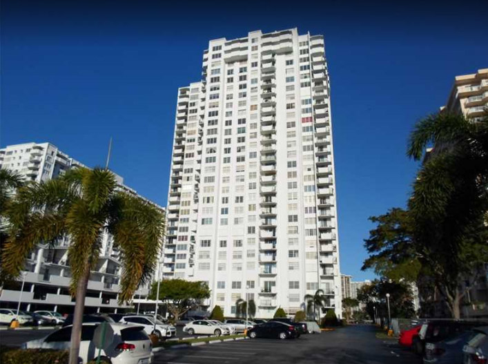 Commodore Plaza Condominium - Adventura Webpagedepot