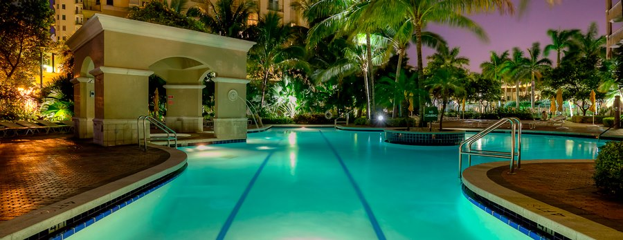Turnberry On the Green Luxury Condominium - Aventura Contemporary