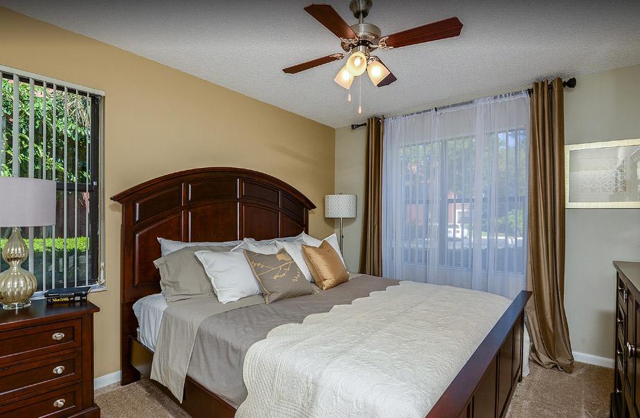 Village Place Apartments - West Palm Beach Establishment