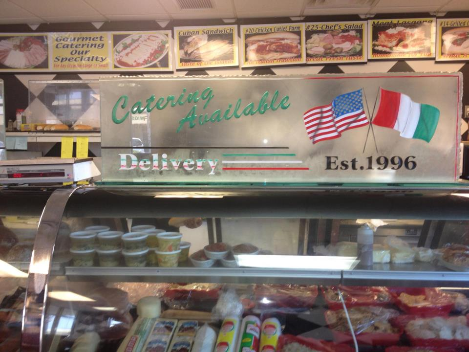 Manzo's Italian Deli - West Palm Beach Cleanliness