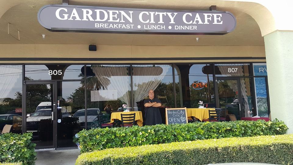 Garden City Cafe burger