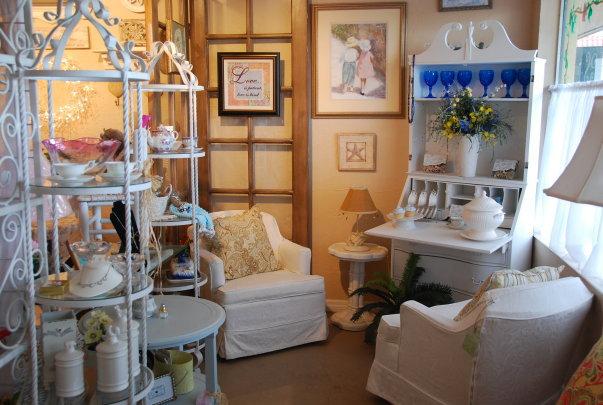 Teapots & Treasures Cafe & Curiosities - Acton Establishment