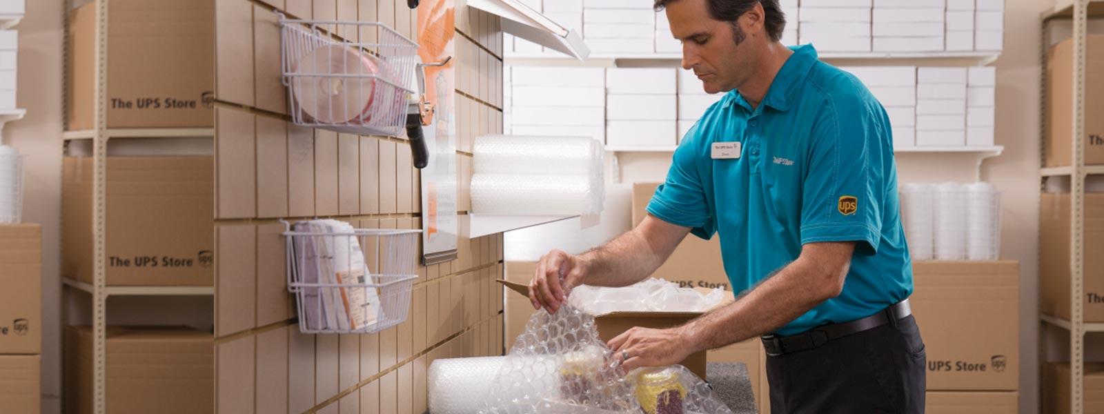 The UPS Store - Tequesta Full-service