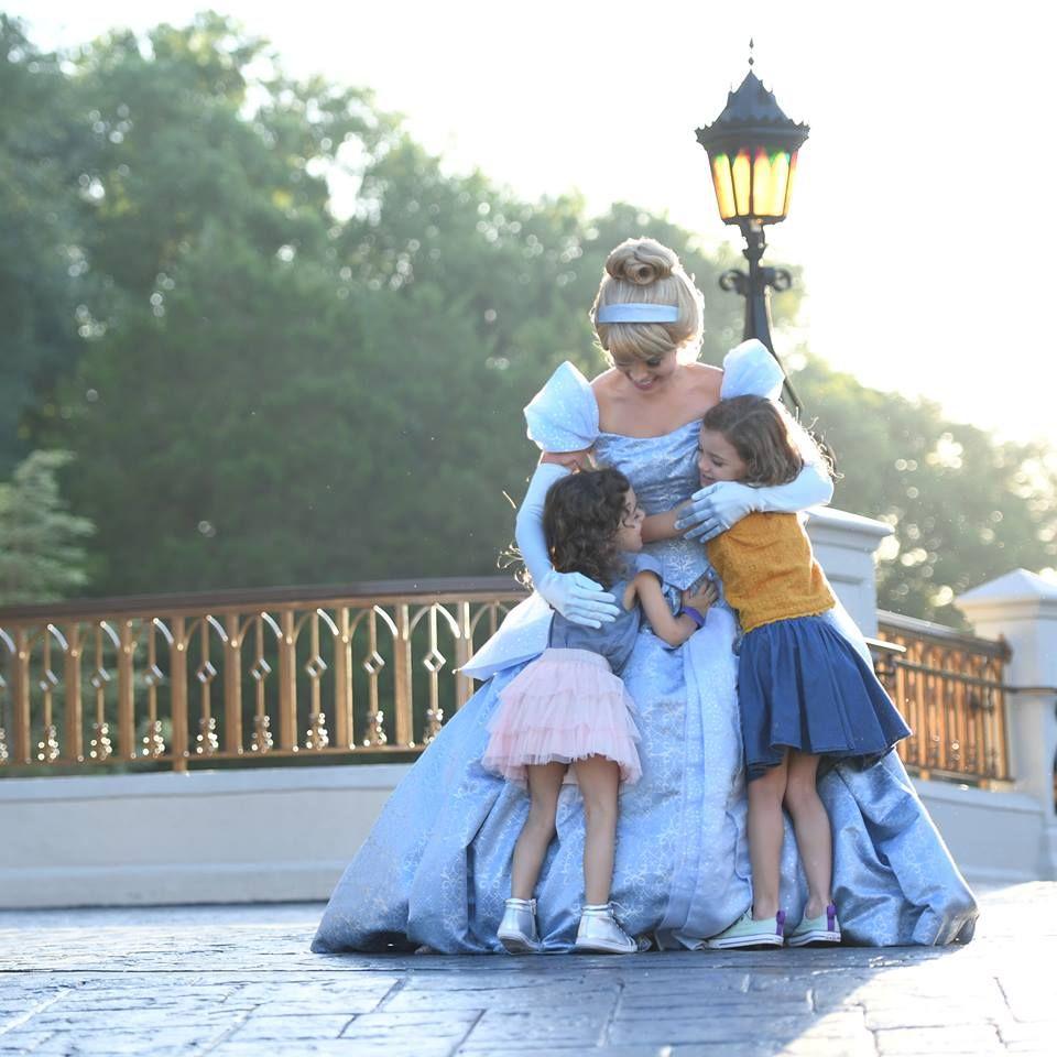 MagicGuides.com - Disney World Travel Information - Orlando Establishment