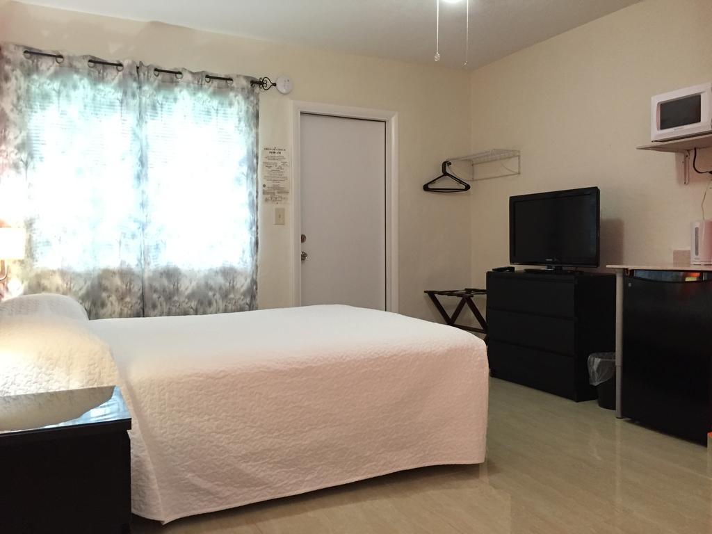 White Horse Motel - Lake Worth Affordability