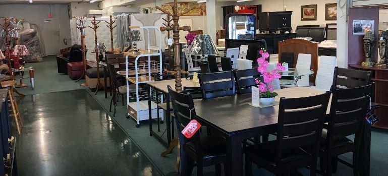 Montoya's Home Furnishings Convenience