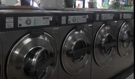 Dixie Point Coin Laundry - Lake Worth Accessibility