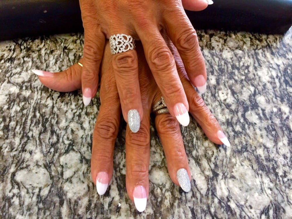 Lee Nails - Delray Beach Wheelchairs